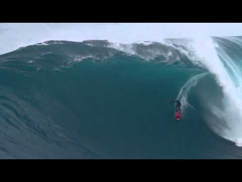 October 9, 2012 Jaws, Peahi, Shane Dorian getting Barreled!