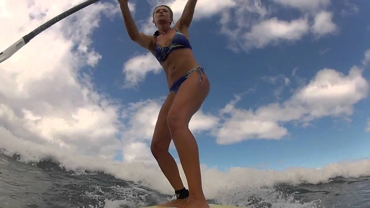 Summer Stand Up Paddle Wave Session With Suzie Cooney