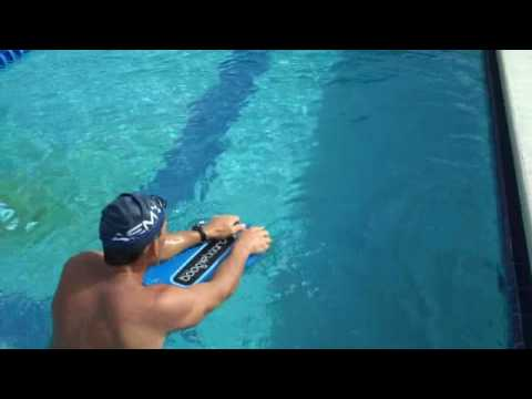 Coach Robb – Swim Training How to Us a Kickboard