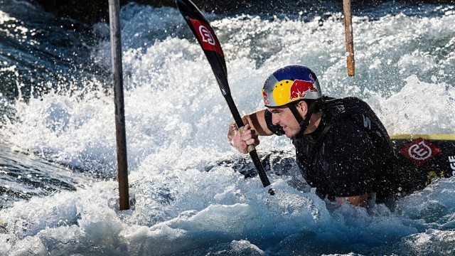 Slalom Canoe Training – Peter Kauzer 2013