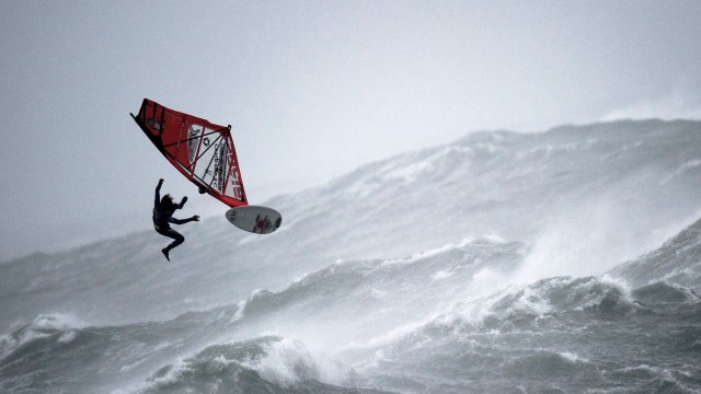 Windsurf – Massive Storm Sail Ireland