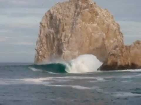 [SURF] Cabo The Arch shows it's true self before Hurricane Odile