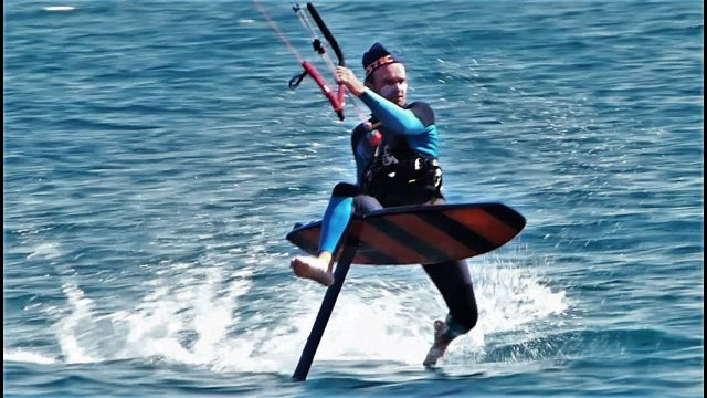About kite foiling