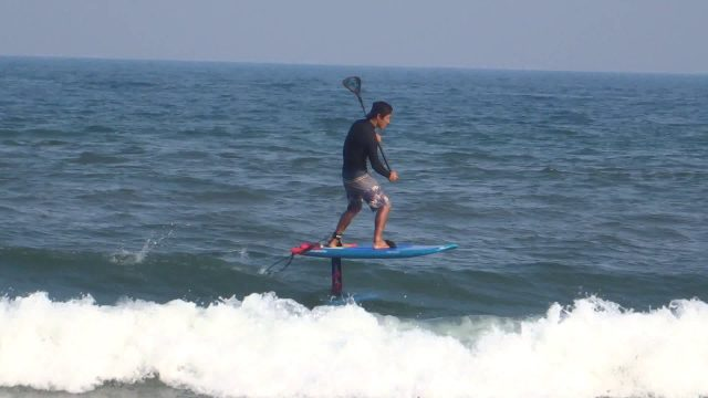 "GoFoil ""MALIKO"" Foil on Small waves/ STARBOARD ""SUP TOMO"""