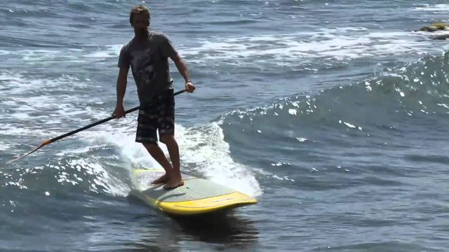 How to surf on a SUP