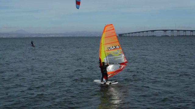 Windsurf Foil Board vs Kite Foil Board at 3rd Ave