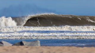 Live Now: Freesurf Session With Brett Barley and Friends in Pumping Surf on the Outer Banks