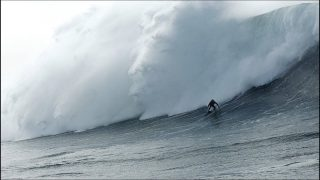 Nazare –  New Year 2018 Giant Swell: Never seen water angle #NazareMoments  (01.01.2018)