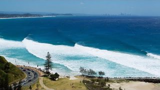 Live: Cyclone Swell on the Gold Coast